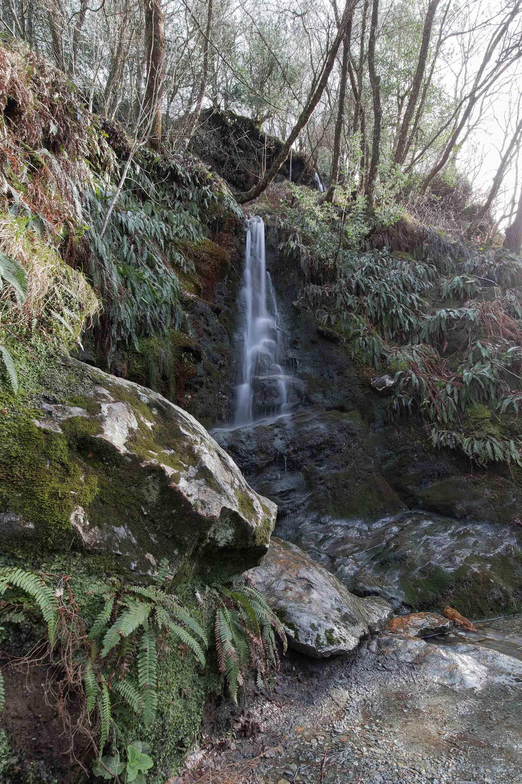 waterfall-mountains-glendalough-dublin-ireland-europe-famous-place-city-pub-themovinglens-colourfull-travel-photography-destination-life