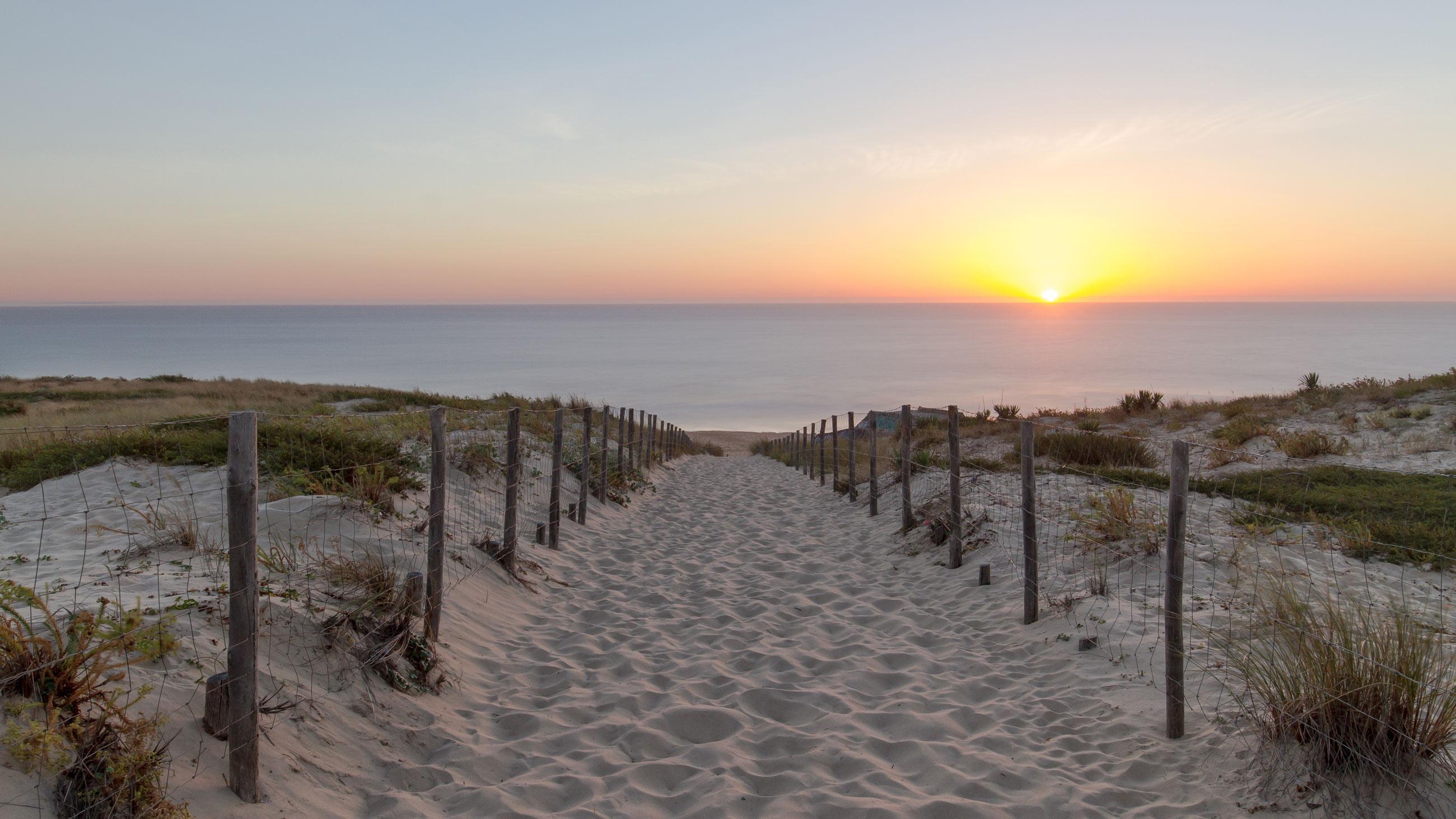 capferret-france-beach-paradise-dune-surf-kite-travel-holiday